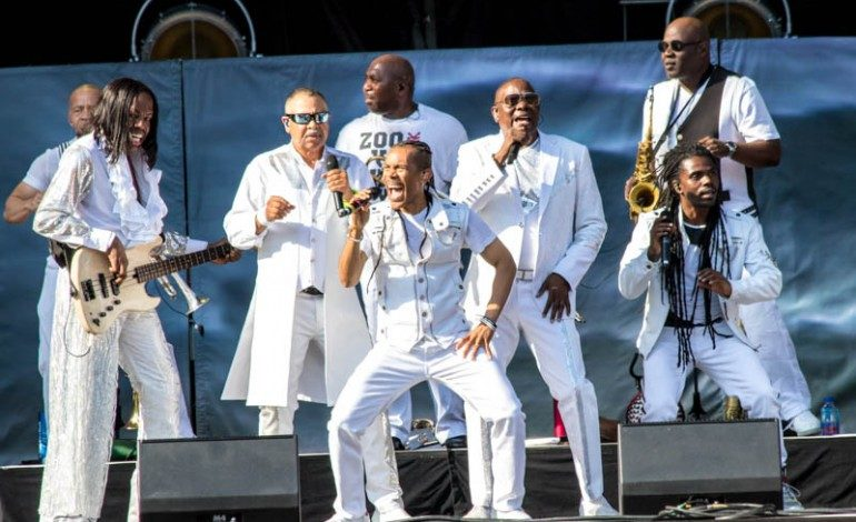 'Let's Groove' with Santana & Earth, Wind, & Fire at Shoreline Amphitheatre on 6/22/21