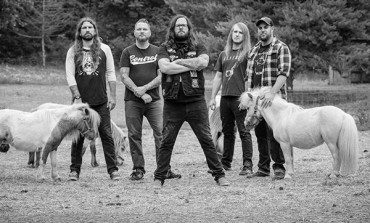 "The Black Dahlia Murder Debuts New Song ""Nightbringers"" Live In Concert"
