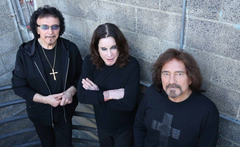 """Tony Iommi Says He Is """"Not At All Happy"""" With Leak Of Black Sabbath Song """"Slapback"""""""