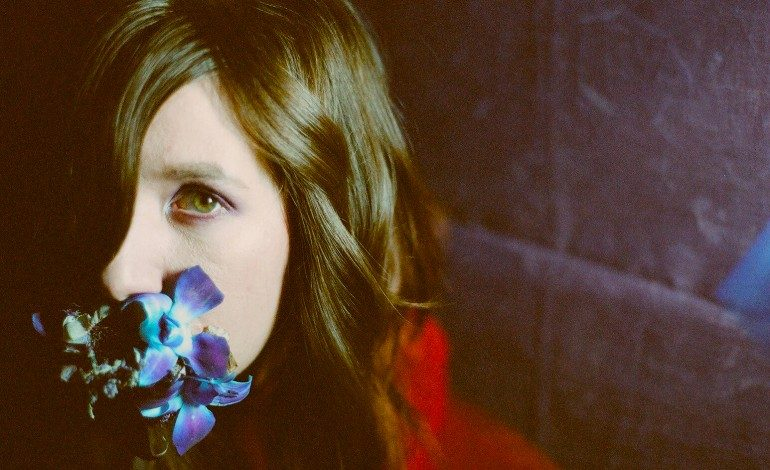 """Circuit Des Yeux Covers Galaxie 500 Song """"Pictures"""" for Video Series"""