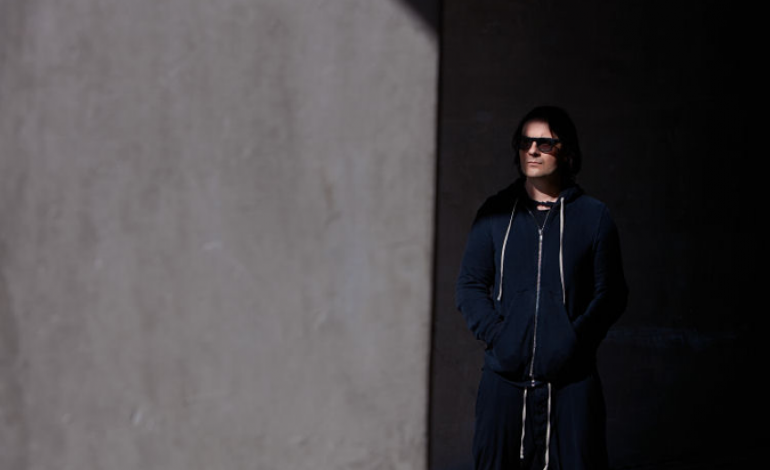 """Alessandro Cortini Releases Melancholy New Song """"Vincere"""""""