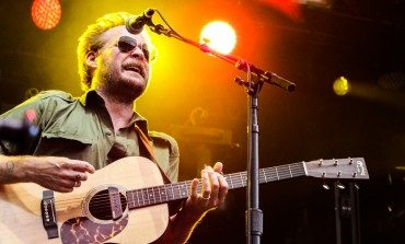 """Hiss Golden Messenger Reveals Laid-Back New Single """"Glory Strums (Loneliness Of The Long-Distance Runner)"""""""