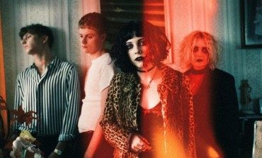 "Pale Waves Preview Debut LP on new Pop Track ""Kiss"""