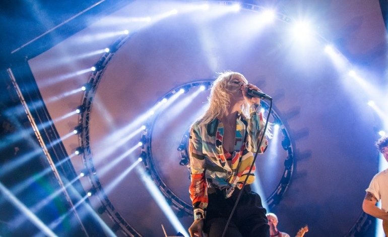 """Hayley Williams Announces Petals for Armor: Self-Serenades Acoustic EP and Shares Acoustic Versions of """"Simmer"""" and """"Why We Ever"""""""