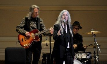 "Patti Smith and Lenny Kaye Perform ""People Have The Power"" for Voters in New York City"