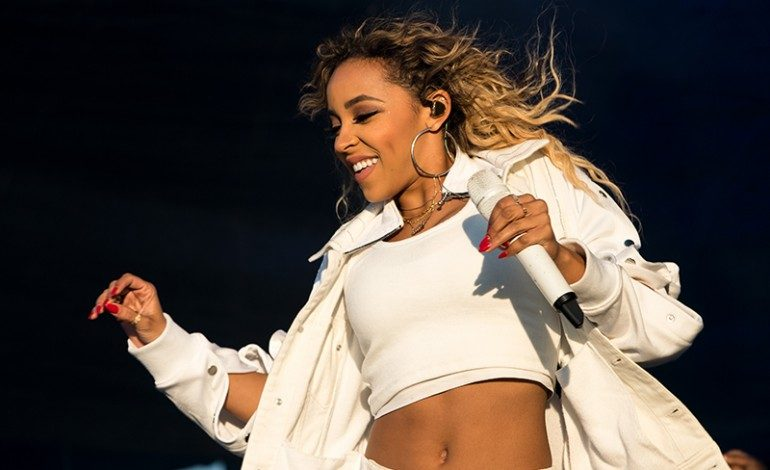R&B artist Tinashe to perform at NYC's Terminal 5 on 9/30