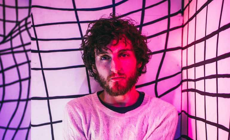 "mxdwn PREMIERE: John Calvin Abney Showcases Indie Folk Chops on Yearning New Song ""Sundowner"""