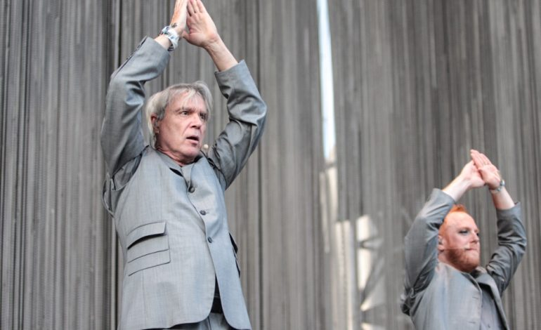 David Byrne Apologizes for Use of Black Face in 1984 Stop Making Sense Promotional Video