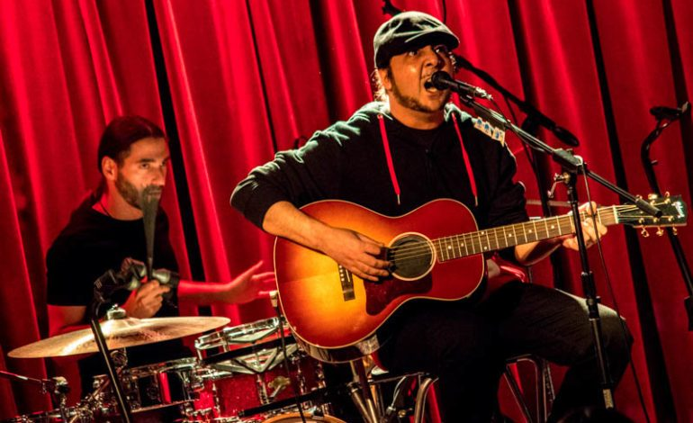 """Scars on Broadway Performs Unreleased Track """"You Destroy You"""" And Covers System of the Down During an Acoustic Show"""