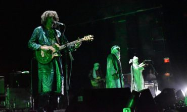 """Tinariwen Announce Fall 2019 Tour Dates and Release New Song """"Zawal"""" Featuring Violin From Warren Ellis"""