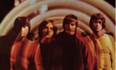 """Dave Davies of The Kinks Reflects on Memories in New Unreleased Song """"Cradle to the Grave"""""""