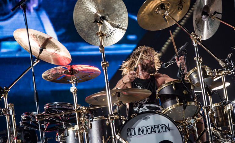 Taylor Hawkins & The Coattail Riders Announce New Album Get The Money Featuring Guest Appearances by Dave Grohl, Duff McKagen, Perry Ferrell, Chrissie Hynde and More