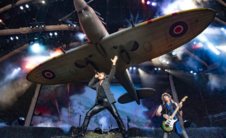 """Bruce Dickinson Suggests Iron Maiden are """"Never Going to Fucking Retire"""""""