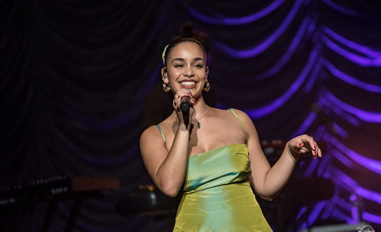 """Jorja Smith Releases Powerful Protest-Centered New Video for Cover of St. Germain's """"Rose Rouge"""" from Upcoming Compilation Blue Note Re:imagined"""