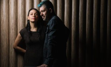 "Rodrigo y Gabriela Share New Song ""Electric Soul"" from Upcoming Live Album"