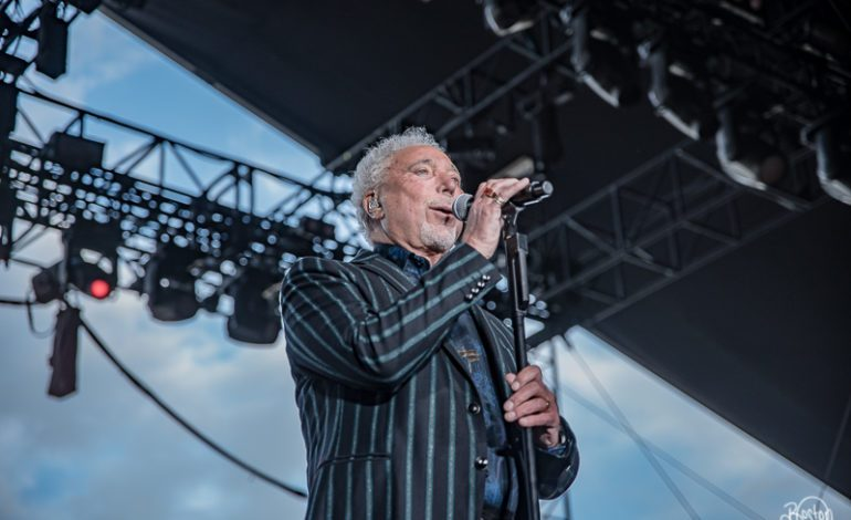 """Tom Jones Announces New Album Surrounded by Time and Shares New Video for """"No Hole In My Head"""""""