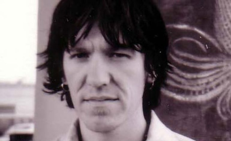"""Hear Elliott Smith Perform """"Some Song"""" From First Known Live Solo Recording Live at Umbra Penumbra"""