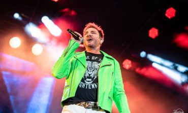 """Duran Duran Embodies David Bowie And Perform On An Electrifying Stage In New Music Video For """"Five Years"""""""
