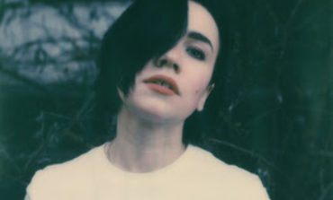 """Laura Carbone Shares New Black and White Performance Video of """"Nightride"""""""