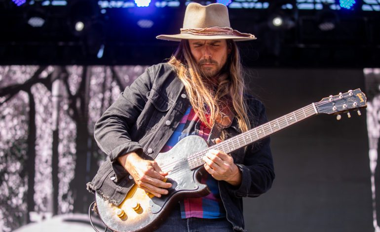 """Lukas Nelson & Promise of the Real Deliver Cautionary New Single from Upcoming Album """"Leave 'em Behind"""""""