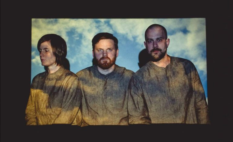 """mxdwn PREMIERE: TENTS Take a Retro Approach in New Video for """"Cashmere"""""""