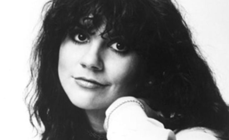 Linda Ronstadt Speaks About Mike Pompeo's State Department Dinner