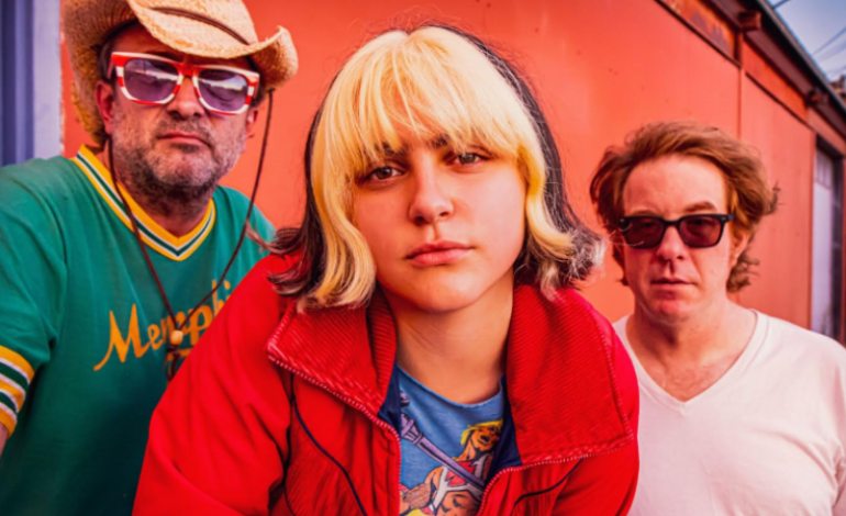 """mxdwn PREMIERE: Father-Daughter Garage Punks The Exbats Share New Video for """"Wet Cheeks"""""""