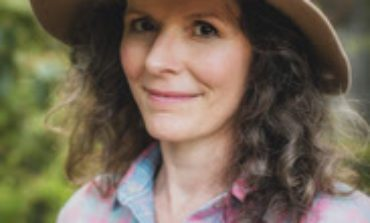"Edie Brickell Recalls an Old Memory on New Song ""Sing To Me Willie"" Featuring Willie Nelson"