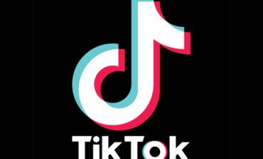 Trump Issues Executive Order Banning TikTok if It's Not Acquired by an American Company in the Next 45 Days