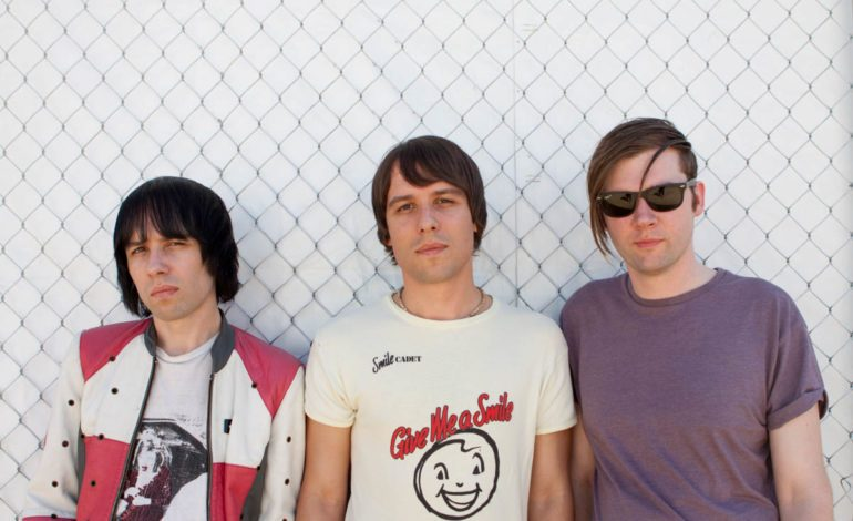 """The Cribs Call on Lee Ranaldo's Guitar Playing on New Song """"I Don't Know Who I Am"""""""