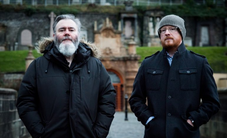 """Arab Strap Announces First Album In 16 Years As Days Get Dark For March 2021 Release, Share New Single """"Compersion Pt. 1"""""""