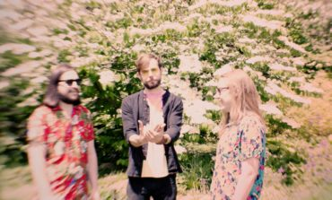 """mxdwn PREMIERE: Hot Knives Dive Into Guitar-Driven Psychedelia on New Song """"Alhambra, Baby"""""""