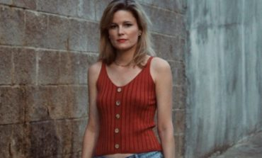 """mxdwn PREMIERE: Anne Freeman Announces New Album Keep It Close for June 2021 Release and Shares New Song """"City Watched Me Burn"""""""