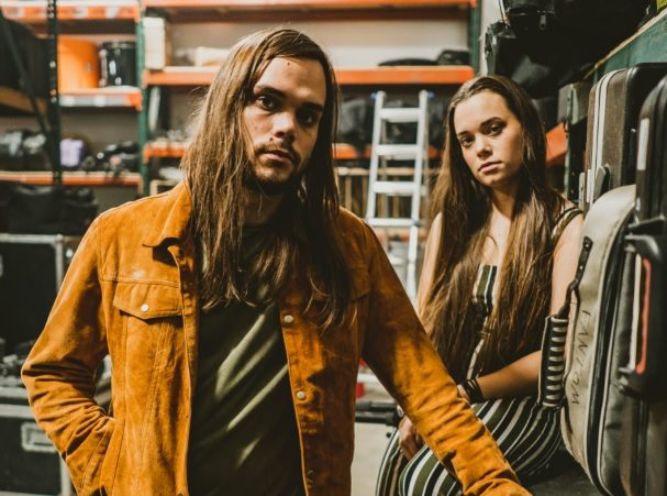 """mxdwn PREMIERE: Jocelyn & Chris Bring Back Bluesy Psychedelia on New Song """"Sugar and Spice"""""""