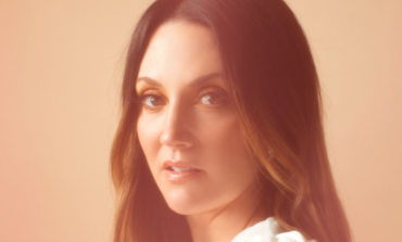 Natalie Hemby Announces New Album Pins and Needles for October 2021 Release and Shares Title Track