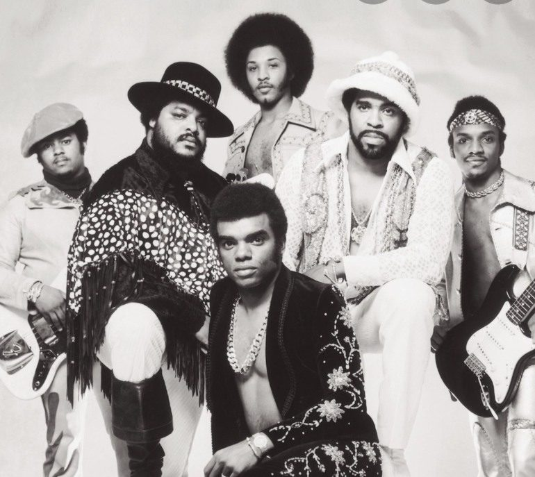 """The Isley Brothers Debuted a New Song """"Friends and Family"""" Featuring Snoop Dogg on VERZUZ Episode with Earth, Wind & Fire"""